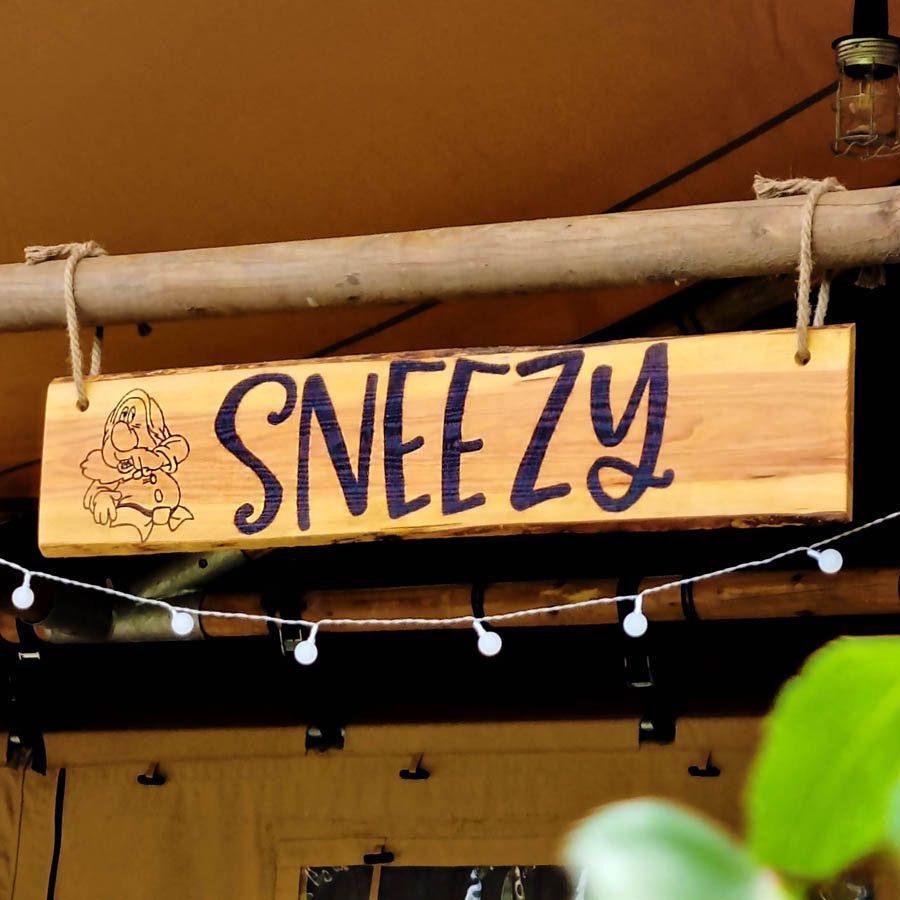 Gepersonaliseerde houten naamborden